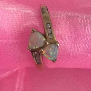 Gold and Opal ring with Diamonds